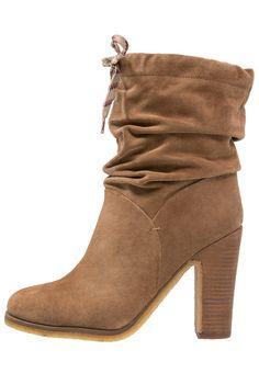 Chaussures See by Chloé MARU - Bottines à talons hauts - sand sable: 379,95 €…