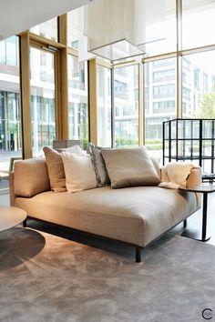 Home Decorating Trends 2018 Key: 1515666727 Best Interior Design Blogs, Famous Interior Designers, Decor Interior Design, Sofa Furniture, Luxury Furniture, Nook, Milan Design, Unique Home Decor, New Homes