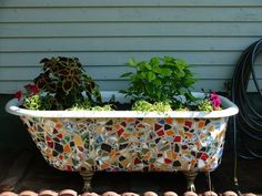 Affordable Garden Tub Decorating Ideas When deciding what containers to use in your garden or outdoor space consider what type of plants you want to Source by happyhakchew. Garden Bathtub, Old Bathtub, Outdoor Bathtub, Cast Iron Bathtub, Bathtub Redo, Bathtub Ideas, Garden Tub Decorating, Decorating Ideas, Decor Ideas