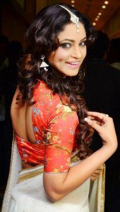Shilpi sharma beautiful sareephotos. She looks amazing in saree with backless blouse.