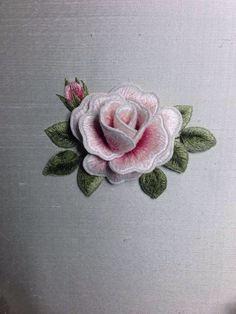 44fc15051aea018ea745c552ea7b1d60.jpcomo se hace esta flor tridimencional, que es un bordado g 720 × 960 pixlar: