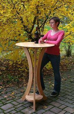 Zerlegbarer Stehtisch aus Massivholz