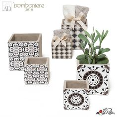 #bomboniere2020 #ideebomboniere #bombonierelarosa www.bombonierelarosa.it Follow: @bomboniere_la_rosa su Instagram New Home Gifts, Happy Shopping, Relationship Goals, Personalized Gifts, Great Gifts, Decorative Boxes, New Homes, Unique Jewelry, Handmade