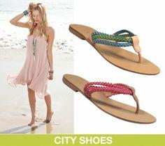 """A rasteirinha ou sandália flat é um dos calçados """"tem que ter"""" do verão. Invista!! <3"""