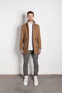 Always been a big fan of Wings+Horns Sharp Dressed Man, Well Dressed Men, Urban Outfits, Cool Outfits, Hipster Man, Men Street, Collar Shirts, Grey Pants, Fall Winter