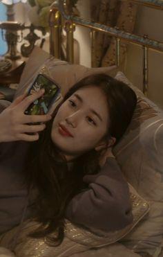Suzy 2017 / lieV / Lying down broadcast Kpop Girl Groups, Kpop Girls, Korean Beauty, Asian Beauty, Korean Girl, Asian Girl, Miss A Suzy, Bae Suzy, Korean Actresses
