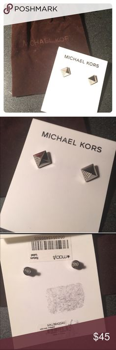 •Michael Kors Silver Stud Earrings• NWT Michael Kors silver studs with stone embellishment. Comes in original MK dust bag. Michael Kors Jewelry Earrings