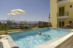 Mare Hotel Apartments Agios Nikolaos Mare Hotel Apartments provides well equipped units overlooking Kitroplateia Beach, a short walk from Agios Nikolaos town centre. It offers all-inclusive accommodation with a restaurant, bar, pool and modern apartments with  a kitchenette.
