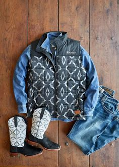 The Ariat x Pendleton Collection combines Ariat's key design principles—authentic equestrian heritage and genuine style and comfort—with Pendleton's luxurious wool textiles and iconic designs. Cowgirl Fashion, Cowgirl Style, Key Design, Icon Design, Aztec, Equestrian, Fabric Design, Textiles, Wool