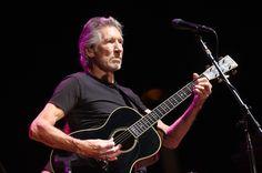 """Roger Waters yeni albümü """"Is his the Life We Really Want?""""dan 'Smell the Roses' adlı parçasını yayınladı. Pink Floyd'dan tanıdığımız efsanevi sanatçı en son 1992'de """"Amused to Death"""" adlı albümünü yayınlamıştı. ProdüktörlüğünüRadiohead'den bildiğimiz Nigel Godrich'in yaptığı albümle ilgili detaylar da belli oldu. Waters'ın""""Modern dünyanın ve belirsiz zamanların gözü kara bir izahı"""" olarak belirttiği albüm 2 …"""