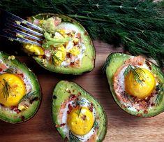 low carb rezepte abend gefüllte avocadohälften eier lachs