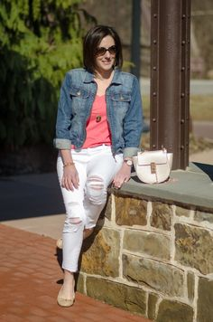 Spring Outfit Inspiration: Coral Tee + White Cropped Skinnies w/ Denim Jacket & Nude Flats