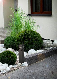 White Pebble Garden, White Pebbles, Garden Balls, Backyard, Plants, Outdoor, Ideas, Gardens, Rockery Garden