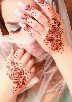 Find images and videos about henna and mehndi on We Heart It - the app to get lost in what you love. Modern Henna Designs, Mehndi Designs For Kids, Rose Mehndi Designs, Latest Henna Designs, Finger Henna Designs, Henna Art Designs, Mehndi Design Pictures, Mehndi Designs For Beginners, Mehndi Designs For Fingers