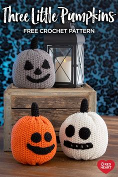 Three Little Pumpkins - free Halloween crochet pattern Crochet Pumpkin, Crochet Fall, Holiday Crochet, Crochet Home, Crochet Crafts, Yarn Crafts, Crochet Projects, Free Crochet, Crochet Pour Halloween