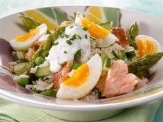 Parsa-savukalasalaatti Healthy Cooking, Cooking Recipes, Healthy Recipes, Healthy Food, Finnish Recipes, Fish Burger, Tasty, Yummy Food, My Cookbook