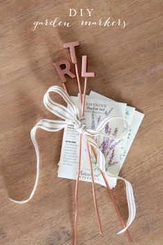 diy garden markers - a beautiful way to label plants in the garden & a great gift!