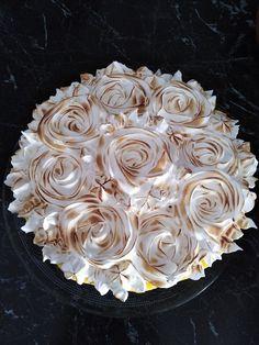 A maradék kalácsból csodás finomságok készülhetnek, nálunk most ez a bámulatos torta került sorra! Hozzávalók 22-24 cm-es tortaforma A mákos alap: 400 g szikkadt fonott kalács 100 g darált mák 1 db citrom reszelt héja 1 l tej 4 db … Egy kattintás ide a folytatáshoz.... → Guam, Baking Ideas, Coconut Flakes, Spices, Food, Recipe, Spice, Essen, Meals