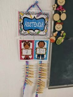 Escola Orange Things z orange do nju Preschool Education, Preschool Classroom, Preschool Crafts, Classroom Decor, Learning Activities, Attendance Chart, Bilingual Classroom, Class Decoration, Classroom Organization