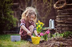 Юный садовник - идея для детской фотосессии весной
