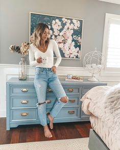 Bedroom Paint Ideas For Women To Get Trendy Ideas Home Fashion, Autumn Fashion, Classy Fashion, Style Fashion, Casual Outfits, Cute Outfits, Fashion Outfits, Blue Dresser, Blue Drawers