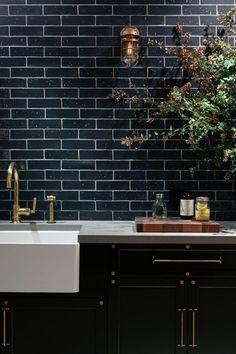 sfgirlbybay / bohemian modern style from a san francisco girl Backsplash With Dark Cabinets, Black Backsplash, Black Kitchen Cabinets, Kitchen Cabinet Design, Black Kitchens, Kitchen Backsplash, Kitchen Countertops, Cool Kitchens, Kitchen Black