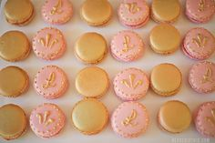 imagine red and gold macarons instead Golden Birthday Parties, Book Shower, Crystal Embroidery, Paris Party, Gatsby Party, Pink And Gold, Rose Gold, Cupcake Cakes, Cupcakes