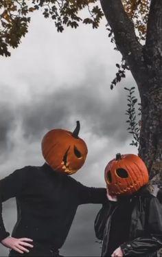 Halloween Shots, Halloween Pictures, Fall Pictures, Halloween Kostüm, Holidays Halloween, Halloween Outfits, Halloween Decorations, Pumpkin Patch Pictures, Pumpkin Photos