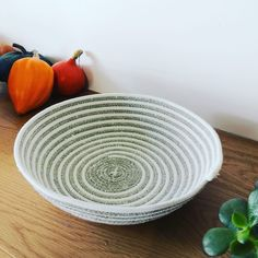 Create Your Own Website, Artisanal, Serving Bowls, Decorative Bowls, Create Yourself, Tableware, Home Decor, Craft Art, Hand Made
