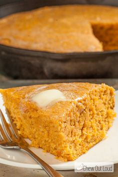 cornbread is given an extra boost of fall flavors with roasted sweet potatoes and is nutritious and holiday-perfect!This cornbread is given an extra boost of fall flavors with roasted sweet potatoes and is nutritious and holiday-perfect! Sweet Cornbread Muffins, Honey Cornbread, Cornbread Recipes, Cornbread Casserole, Roasted Whole Sweet Potatoes, Mashed Sweet Potatoes, Sweet Potato Recipes, Sweet Potato Bread, Baked Goods