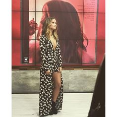 """Go Ahead: Roll Your Windows Down and Blast """"My Church""""– Maren Morris Wants You To Girl Celebrities, Celebs, Fashion Killa, Fashion Beauty, Country Music Artists, Country Singers, Country Concert Outfit, Maren Morris, Now And Forever"""