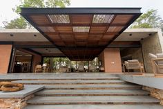 Галерея H & A House / Costaveras Arquitetos - 7 Галерея H & A House / Costaveras Arquitetos - 7 Brick Architecture, Amazing Architecture, Architecture Details, Concrete Bricks, Decks, Rooftop Patio, Patio Roof, Fibreglass Roof, Brick And Wood