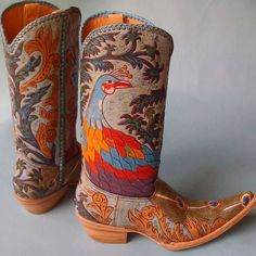 Peacock Boots #cotww #instafashion #instagood #styleinspiration #fashion #shoelover #boots #style #styleguide #styleicon