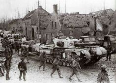 Churchill Tank Mark VII Crocodile in winter camoflage. Ww2 Pictures, Ww2 Photos, Military Pictures, Army Vehicles, Armored Vehicles, Churchill, Normandy Ww2, British Armed Forces, British Tanks