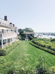 When traveling to Nantucket, there is no better place to call home than Harborview. So, I'm sharing a guide to 72 Hours at Harborview Nantucket! Places To Travel, Places To See, Hollywood Homes, Travel Activities, Travel Goals, Wanderlust Travel, Nantucket, Vacation Destinations, Where To Go