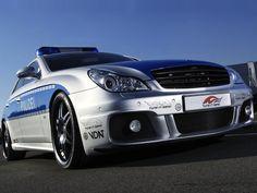 Les 10 voitures de police les plus rapides du monde - 2Tout2Rien