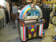 Wurlitzer 1050 Machine restored with excellent finishing and working 100% . Antique JuxeBoxes Vic- Clar , we handle life back to the jukebox . We have over 40 years experience please contact us