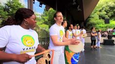 http://www.Capoeira-Paris.net/  Une idée de sortie pour occuper ses enfants les mardi,mercredi,jeudi,vendredi et samedi après-midi pendant la saison 2013 2014 avec un tarif et un prix pas cher, inscription gratuite à un cours d'essai Gratuit, mais également durant toute l'année scolaire 2013-2014 à Paris