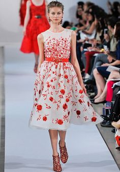 Oscar de la Renta Resort 2013 — Runway Photo Gallery — Vogue