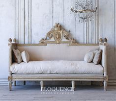 Antique Swedish daybed from Eloquence