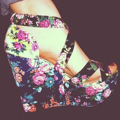 Need floral heels. These floral heels to be exact. <3