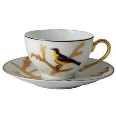 "Set of 6 tea cups and saucers Bernardaud  Packaging : set of 6 tea cups and 6 saucers  Model : tea service   Collection : ""Aux Oiseaux""  Capacity :  13 cl  or  4.4 oz  Material : fine porcelain of Limoges  Color : see photo  Use : do not put in microwaves  Maintenance : warranty dishwasher  http://trend-on-line.com/brand/bernardaud/aux-oiseaux/lot-de-6-tasses-a-the-avec-sous-tasses"