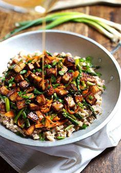 Honey Ginger Tofu and Veggie Stir Fry - crunchy colorful veggies, golden brown tofu, homemade sauce. So good! 400 calories.   pinchofyum.com... #vegetarian #recipes #healthy #recipe #easy