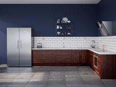 Edge Walnut on tyylikäs ja ilmava keittiö. Avonite-työtaso on helppo pitää puhtaana, ja sen liitoskohdat saa näkymättömiksi. Jos pinta naarmuuntuu, naarmut voidaan hioa ja kiillottaa pois, jolloin työtaso on jälleen kuin uusi. Tässä keittiössä kohtaavat käytännöllisyys ja kauneus!