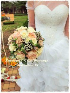 Róża piwoniowa, brunia, mięta :)