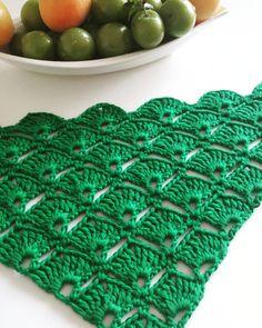 Best 12 Faça você mesma – xale de crochê colorido We are want to say thanks if you like to share this post – SkillOfKing. Crochet Shawl Diagram, Crochet Lace Edging, Crochet Doilies, Easy Crochet, Free Crochet, Butterfly Stitches, Crochet Butterfly, Crochet Shell Stitch, Crochet Stitches