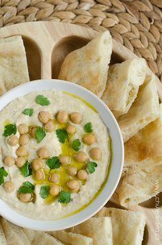 { pomazánka z cizrny } klasický hummus Snack Recipes, Snacks, Tahini, Cheeseburger Chowder, Hummus, Appetizers, Soup, Cooking, Snack Mix Recipes