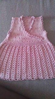 Mauv is Crafty - knitted baby dress, garn studio
