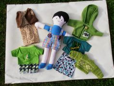 moeke veerle maakt vanalles: Poppen Doll Clothes, Dolls, Baby Dolls, Outfits, Aunts, Craft Work, Puppet, Doll, Baby Dresses