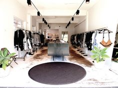 Bassike store. Find the best fashion basic store on www.posse.com